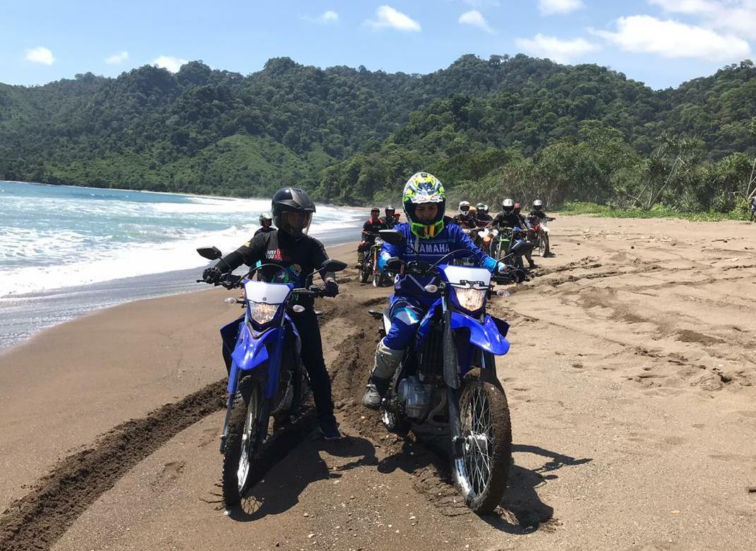 Yamaha WR155R Libas Ombak Pantai Bande Alit Jember