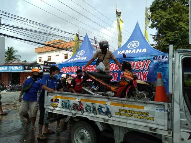 Peduli Korban Banjir Kalsel, Yamaha Dirikan Posko Service Gratis