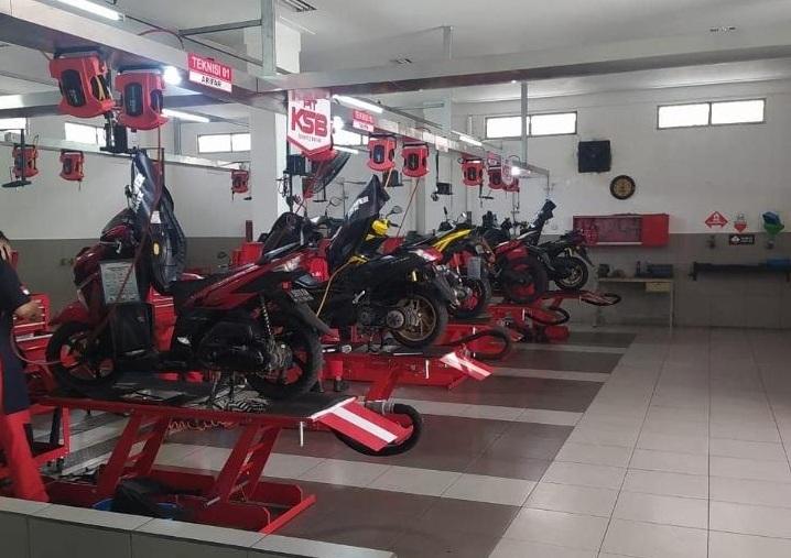 Service Motor Di Bengkel Resmi Yamaha Diskon 50%, Begini Caranya Sob!