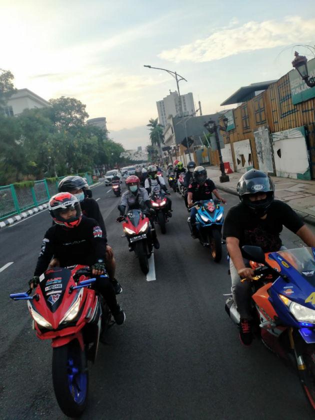Komunitas Honda CBR NgabubuRide Prokes di MPM Riders Cafe Surabaya