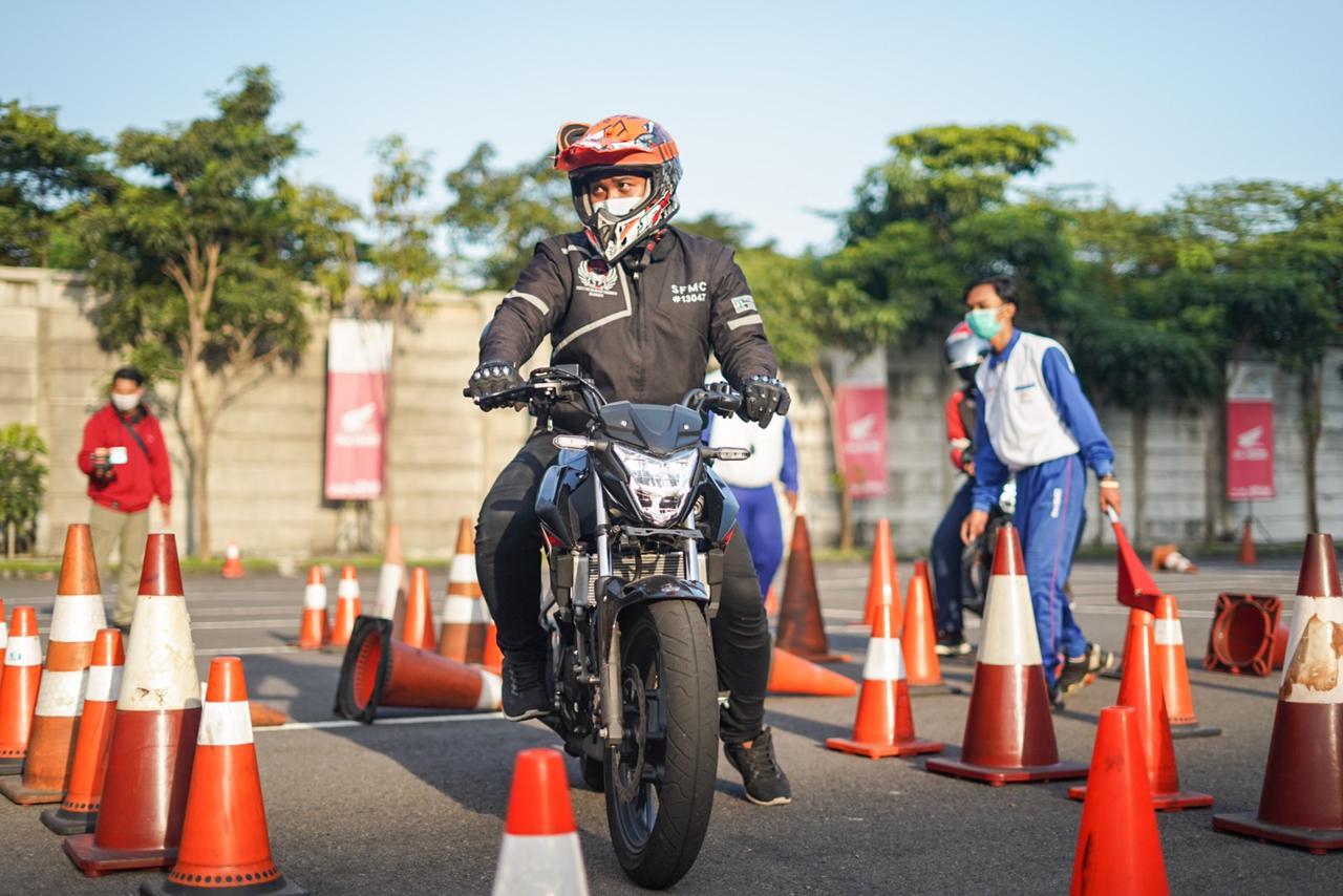 Komunitas Honda CB150R StreetFire Gathering dan Ngabuburide Di Sidoarjo