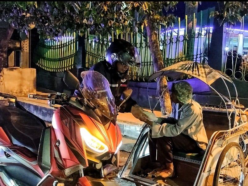 Komunitas Nmax Jember Berbagi Dan Sahur On The Road, Mantab!
