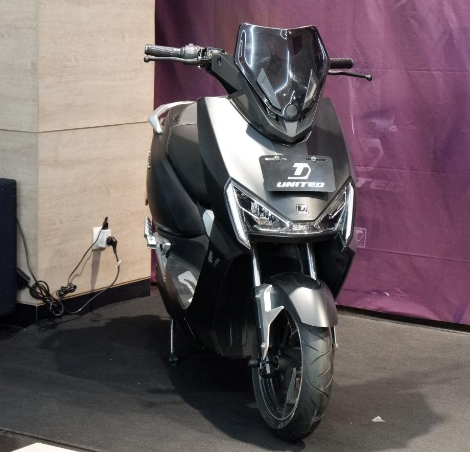Motor Listrik UNITED E-MOTOR T-1800 Meluncur Di Jatim, Ini Harganya!