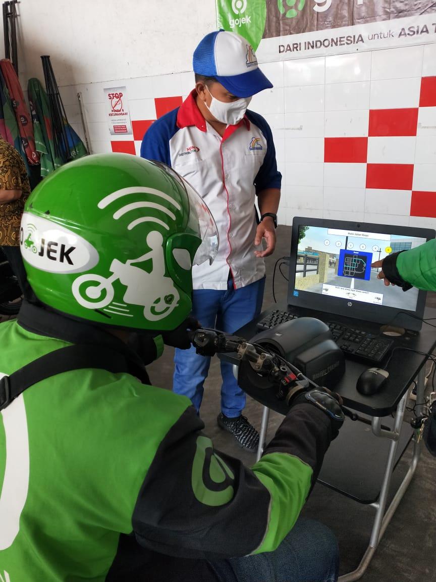 MPM Honda Jatim Berikan Edukasi Safety Riding Kepada Pengendara Gojek